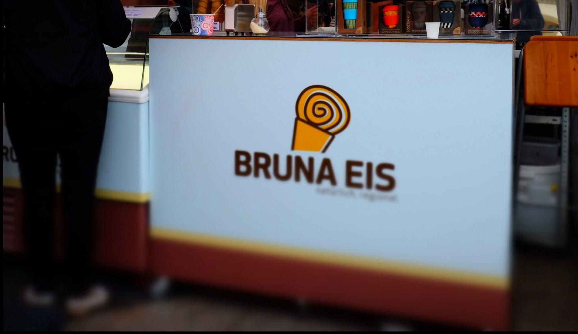 Bruna Eis.